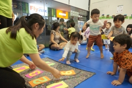 COUNTING IN MANDARIN: Numerical activities build Mandarin language skills as well as mathematical skills. And, little ones develop social skills such as turn-taking and cooperation with peers.