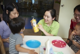 SNACK TIME: At the same time, they enhance their fine motor skills, learn to make choices and build confidence interacting with adults and peers.